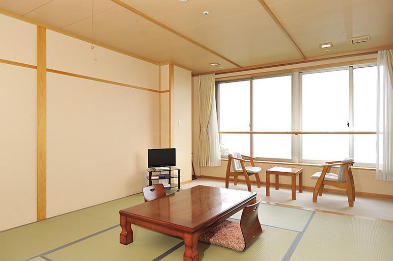 本館和室(琵琶湖側)